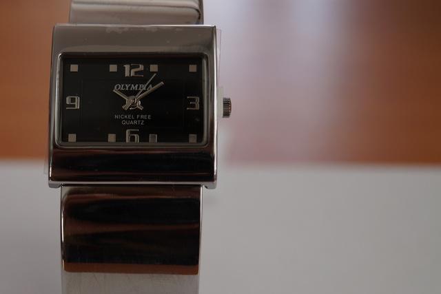 Olympia Hodinky 30480   Olympia hodinky   Ráj hodinek - hodinářský eshop 1fd8f15fda